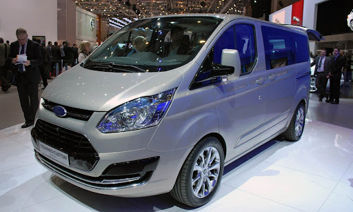 2013 Ford Transit'in Habercisi Olan Yeni Tourneo Custom Consept