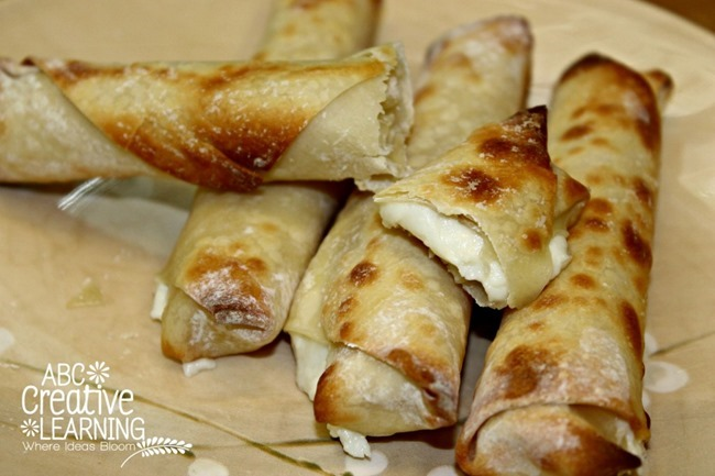 Mozzarella-Cheese-Sticks-Egg-Rolls-Quick-Snack-1024x682