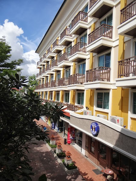 01. Hotel Rambuttri Village Bangkok.JPG