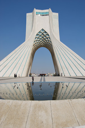 Imagini Iran: Turnul Azadi Teheran