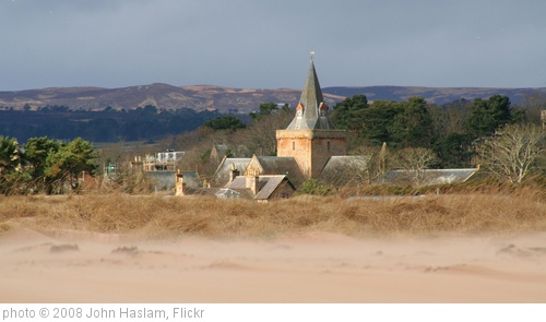 'Dornoch Cathedral from the beach' photo (c) 2008, John Haslam - license: http://creativecommons.org/licenses/by/2.0/