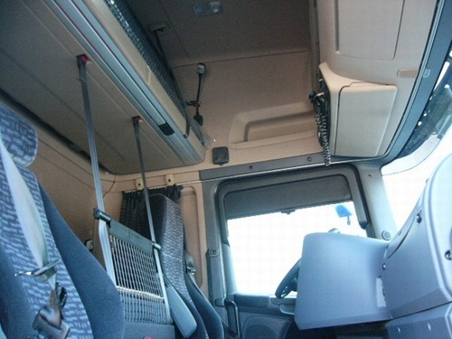 Camión Scania R440 interior