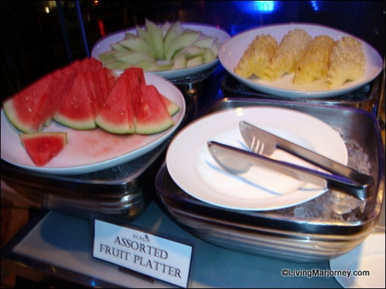 Acaci Restaurant: Assorted Fruit Platter