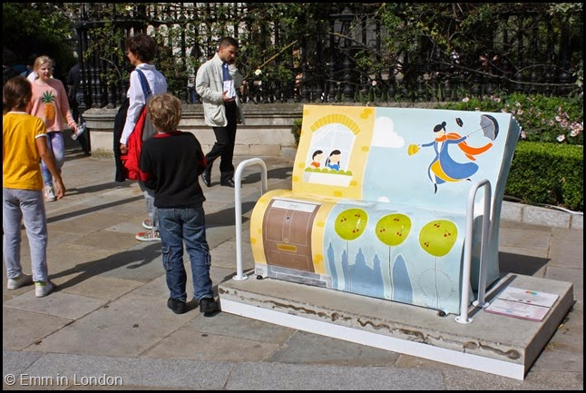 Mary Poppins book bench