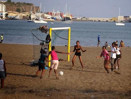 51. Fotbal feminin in Capul Verde.JPG