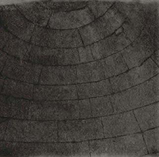 кладка подземного купола древней каменной гробницы в мезеке, болгария
