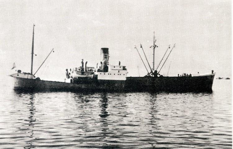 """Imagen del RÍO MERO, """"un barco demasiado raro"""". Del libro 9 Historias de Barcos, de Rafael González Echegaray.jpg"""