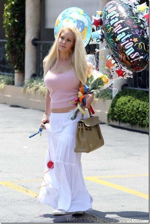 Heidi Montag Hot Pics in Pink and White Beautiful Dress ...