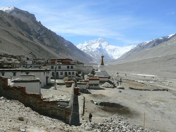 Obiective turistice Tibet: manastirea Rongphu si Everest