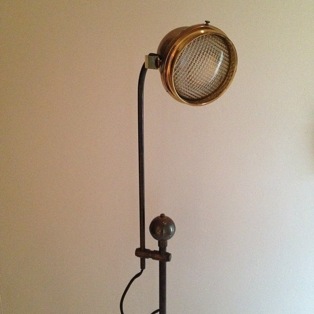 thriftscorethursday design_it_vintage brass lamp2