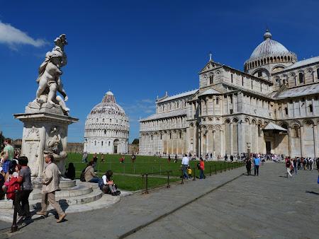 4. Catedrala si Baptiserium.JPG
