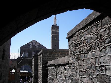Obiective turistice Kurdistan: minaret moschee Diyabarkir