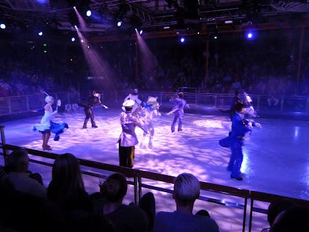 Croaziera Royal Carribean: Spectacol patinaj