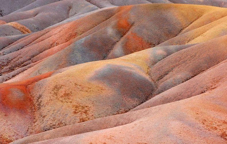 أرض السبعة ألوان seven-colored-earths