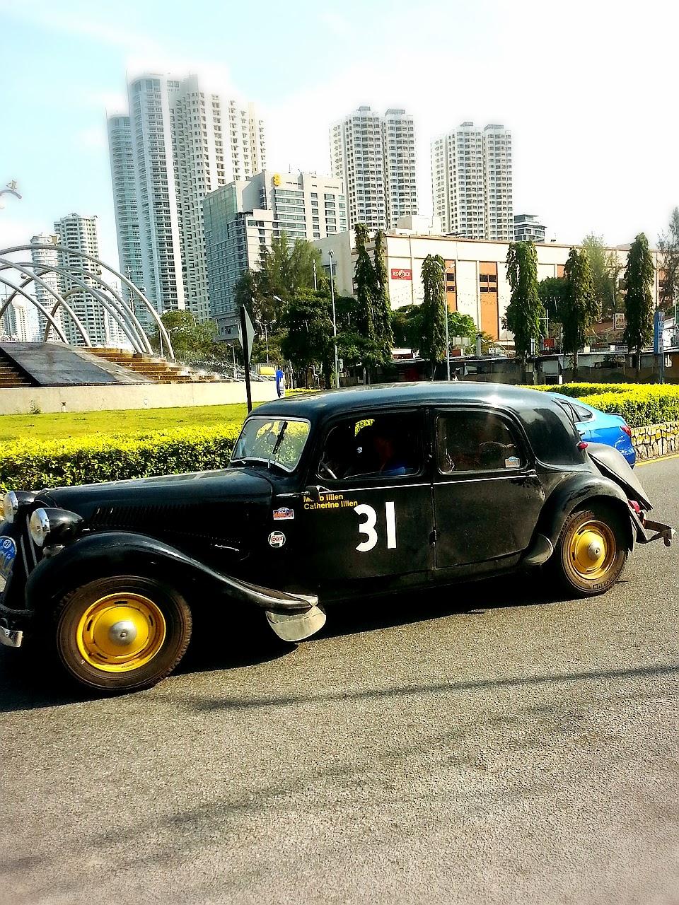 Gostan Sikit: 1955 Citroen 11B - Road to Mandalay