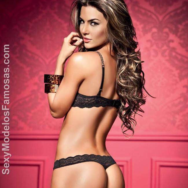 Natalia Velez Sexy Lenceria Besame Foto 14