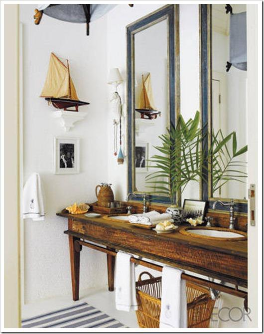 coastal cottage bathroom
