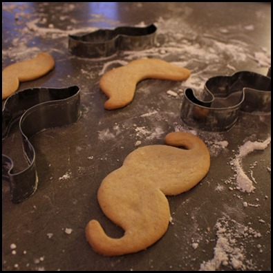 cookie-cutters-pic1-funny-moustache_large
