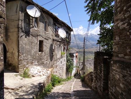 55. Vechi case albaneze.JPG