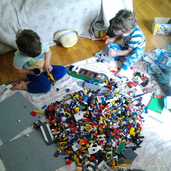 crazy pile of lego, Lego bricks, play