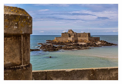 Saint Malo - Geocaching in historischer Kulisse - Stadtmauer und Fort Nationale
