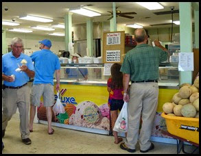 06b - McLeods Farm Stand - The Ice Cream