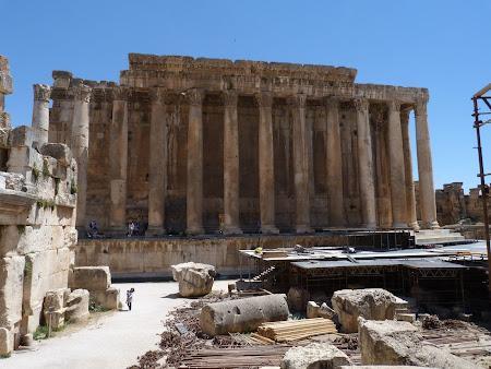 Imagini Liban: templul Astarte Baalbek