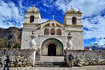 Imagini Peru: Biserica coloniala in Colca Canyon