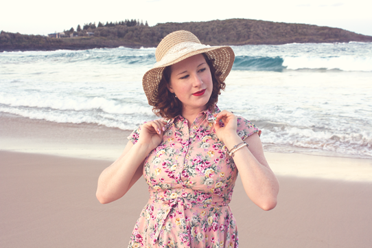 Vintage beach vibes ~ straw sunhats and floaty dresses | Lavender & Twill