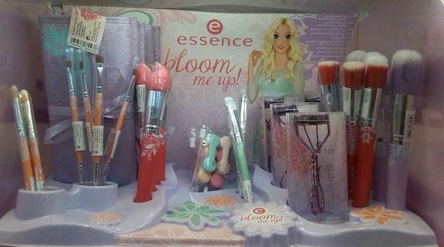 Essence Bloom Me Up! Tools