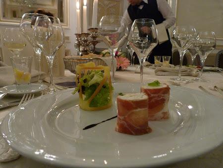 Hotel Grand Continental Bucuresti: aperitiv artistic la Hotel Continental