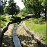 Wasserlauf in der Parkanlage