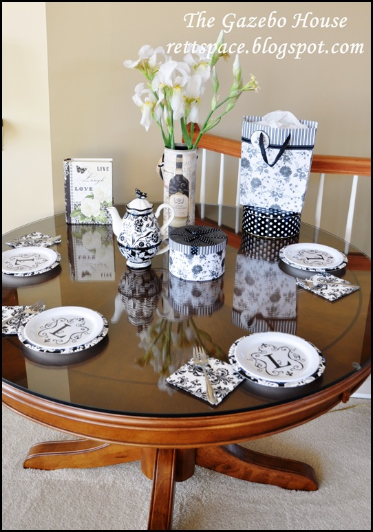 black & white damask table 001