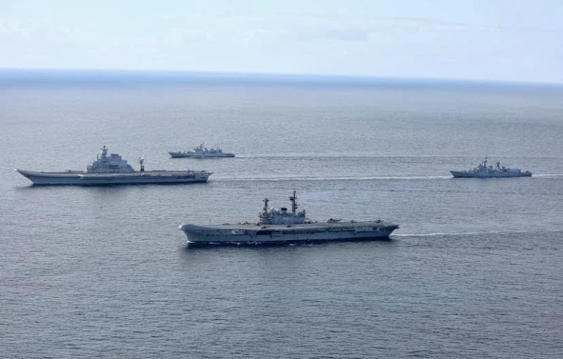Aircraft-Carrier-INS-Vikramaditya-13-Indian-Navy-R