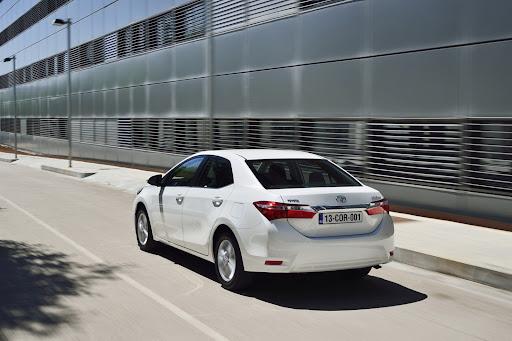 2014-Toyota-Corolla-23.jpg