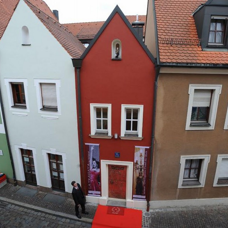 World's Smallest Hotel - Eh'haeusl or 'the Wedding House'