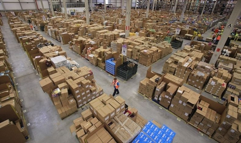 amazon-warehouse-1