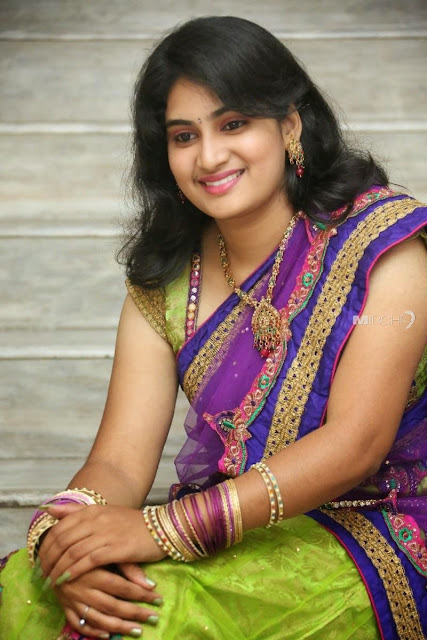 Indian ladies, Indian girls, Indian women, indai tradition, Indian wearing, south Indian ladies, south india womens, south india tradition, south Indian fashion, south Indian girls, south inda girls hd images, south india girls pics, south india traditional wear