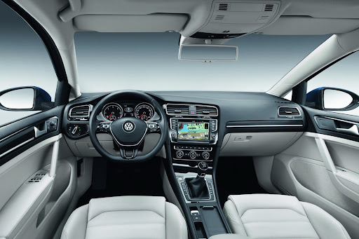 2014-VW-Golf-Variant-17.jpg