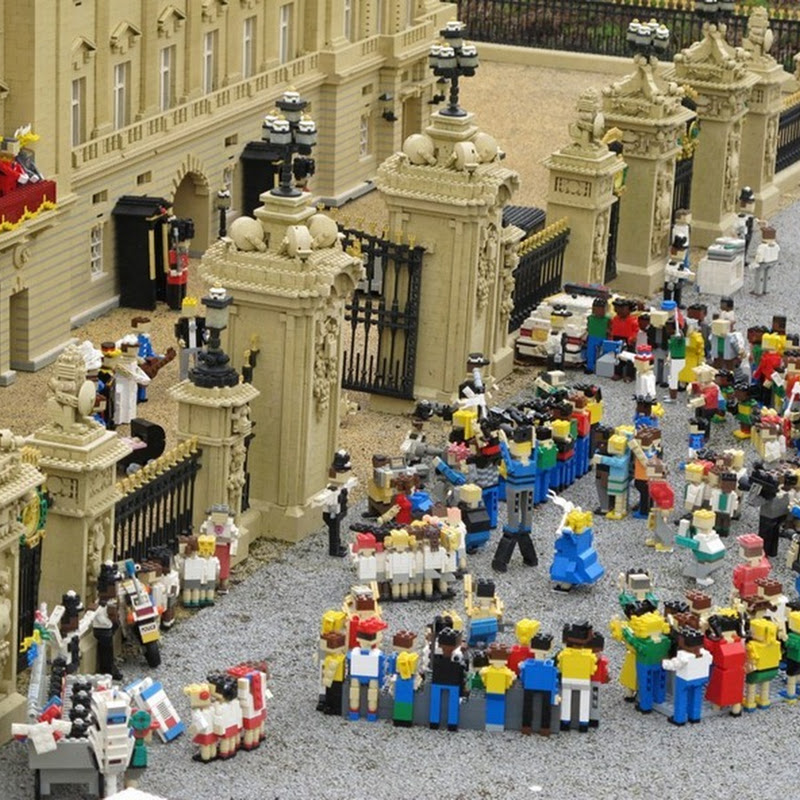 Top Stories of 2011 in Lego