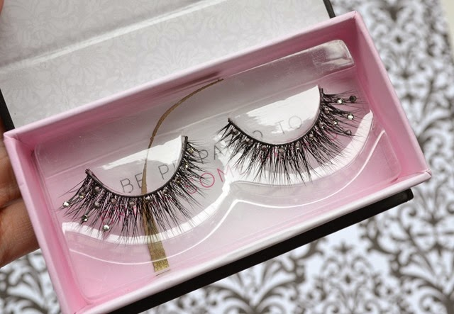 Femme Fatale Lashes in A Girls Best Friend Look Review