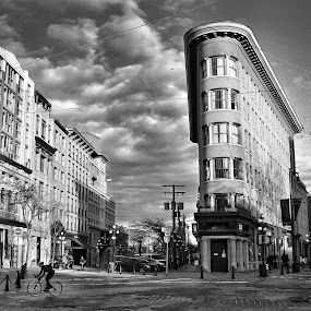 by Winnie Basso - Black & White Buildings & Architecture