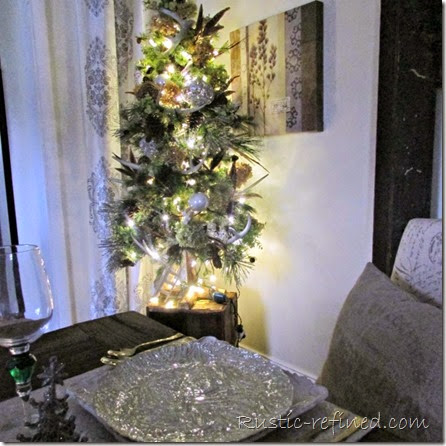 Rustic Christmas Tablescape @ Rustic-refined.com