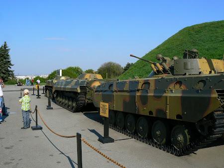 Muzeu Kiev: tancuri sovietice