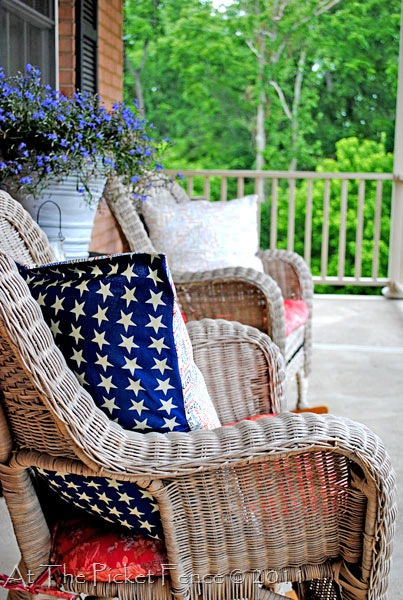 no sew pillow at the picket fence patriotic 4th of July