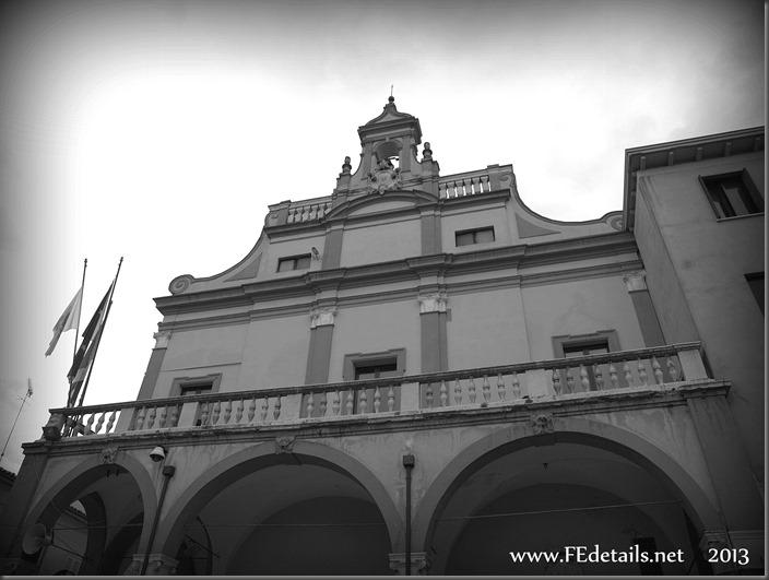 Palazzo Comunale di Cento, Foto3, Cento, Ferrara, Emilia Romagna, Italia - Town Hall of Cento,photo3, Cento, Ferrara, Emilia Romagna, Italy - Property and Copyrights of FEdetails.net