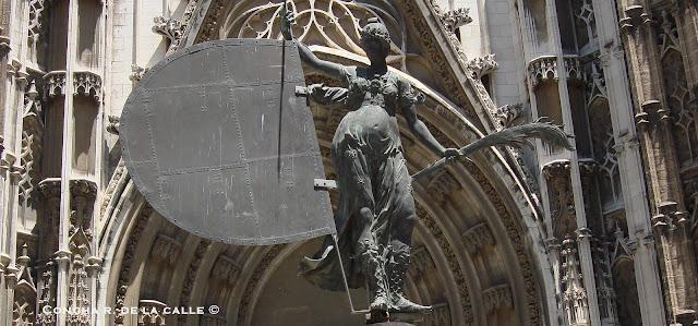 El Giraldillo - Puerta del Principe - Catedral de Sevilla (11).jpg