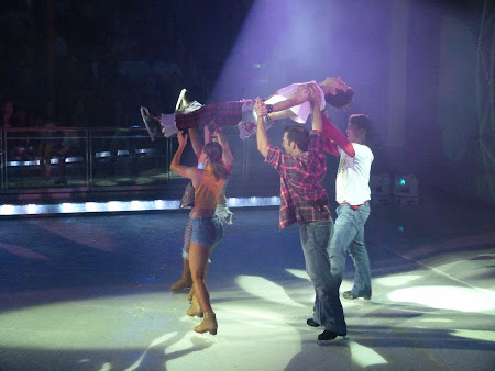 Croaziera Royal Carribean: Spectacol patinaj artistic