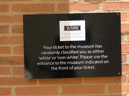 Obiective turistice Africa de Sud: muzeul apartheidului Soweto