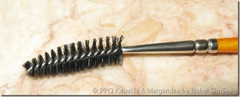 MUFE Lashes and Eyebrow Brush